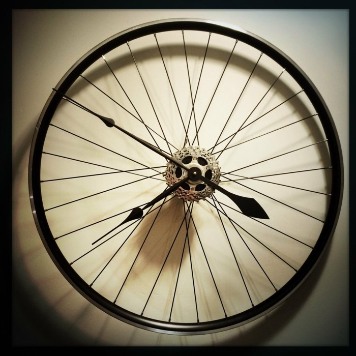 la bicicleta vieja convertida reloj moderno pared ideas