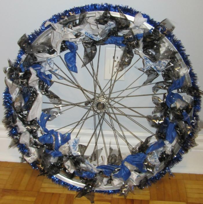 la bicicleta vieja llanta decorada ideas