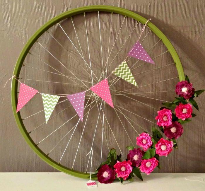 La bicicleta y el reciclaje 31 ideas de llantas para decorar for Adornos para plantas con llantas