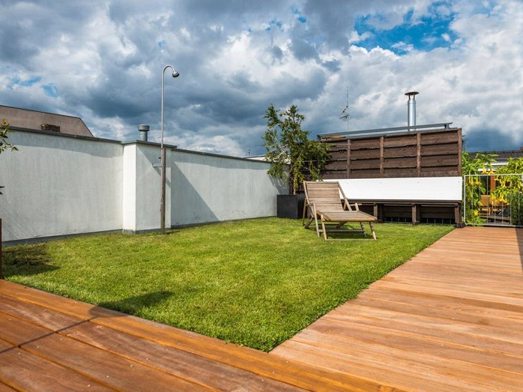 lugar cesped terraza tumbona madera tomar sol ideas