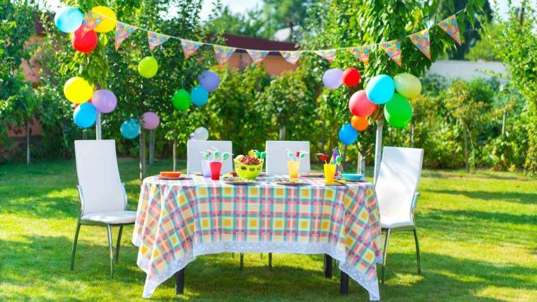 ideas para cumpleanos mesa globos jardin amplio decoracion cumpleanos moderno