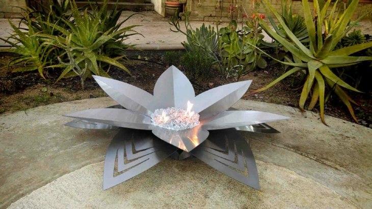 metal loto-flor ejemplo artistico acero