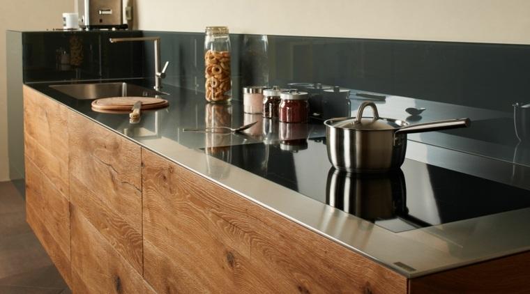 Encimera de cocina modelo steel, diseñada por la empresa lago