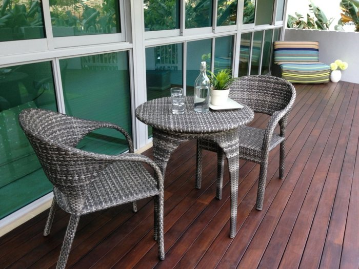 muebles balcon pequeno moderno mesa redonda sillas ratan ideas