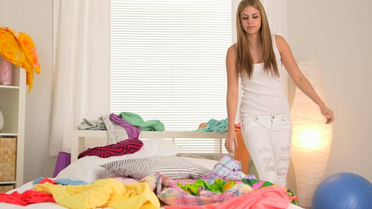 ordenar ropa armario colores cama