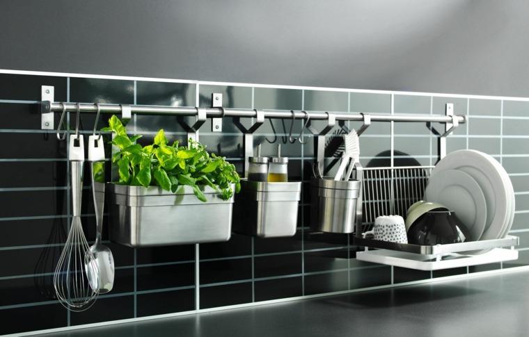 Trucos e ideas geniales para ahorrar espacio en la cocina
