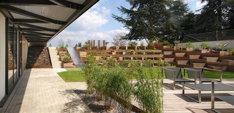 patio moderno gradas madera