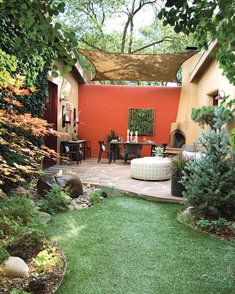 patio tranquilo pared roja lugar escondido ideas