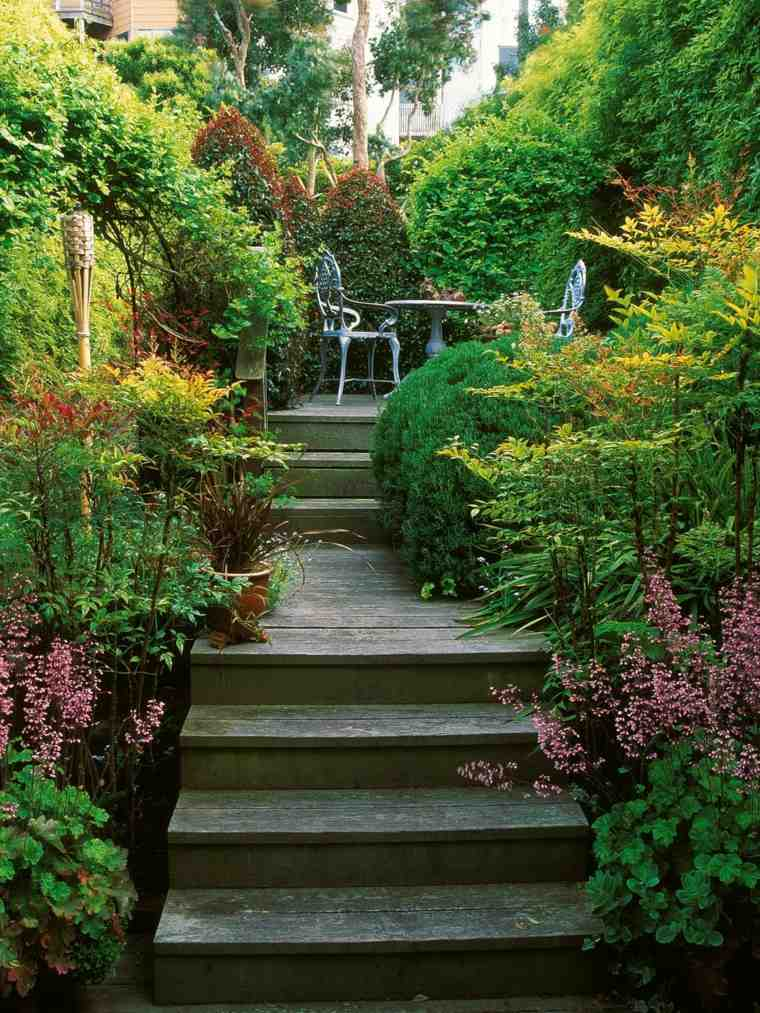 patio terraza escaleras madera