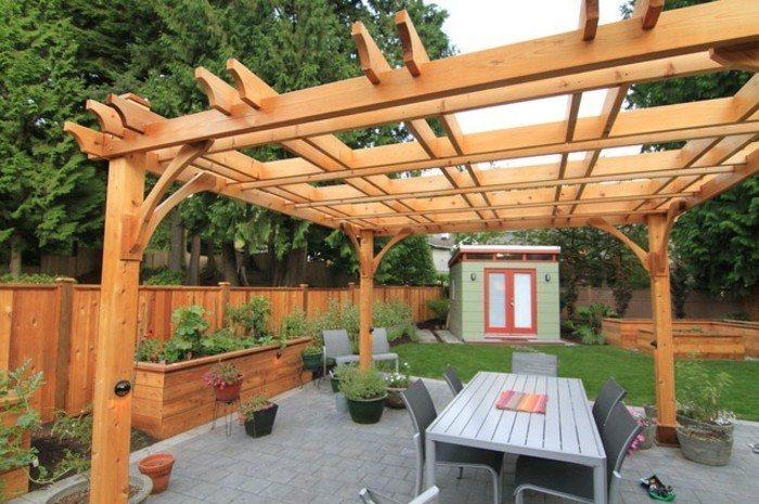 pergolas de madera diseño patio colores sillas