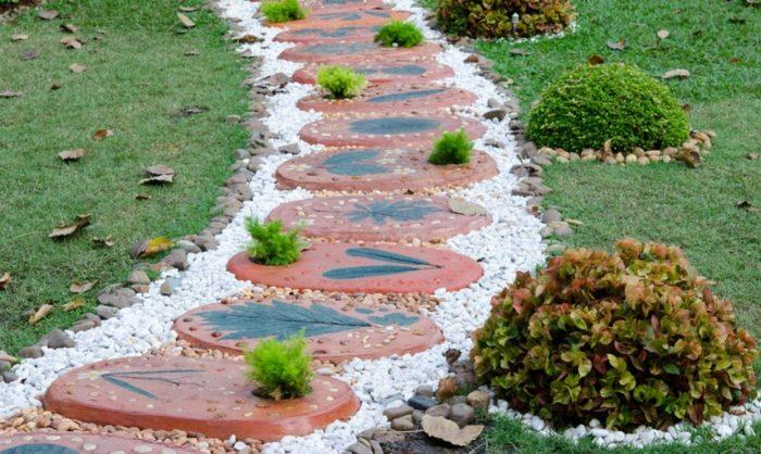 piezas decoradas frescas plantas lineas
