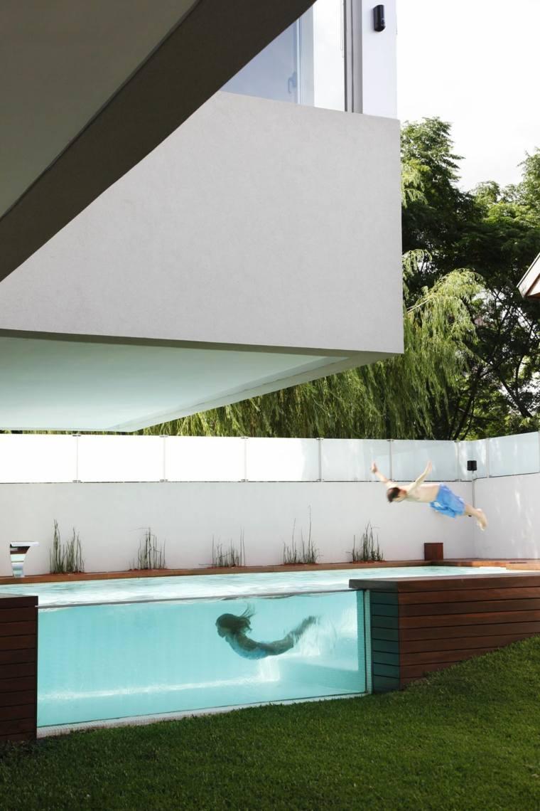 piscinas transparentes jardin moderno Andres Remy Arquitectos