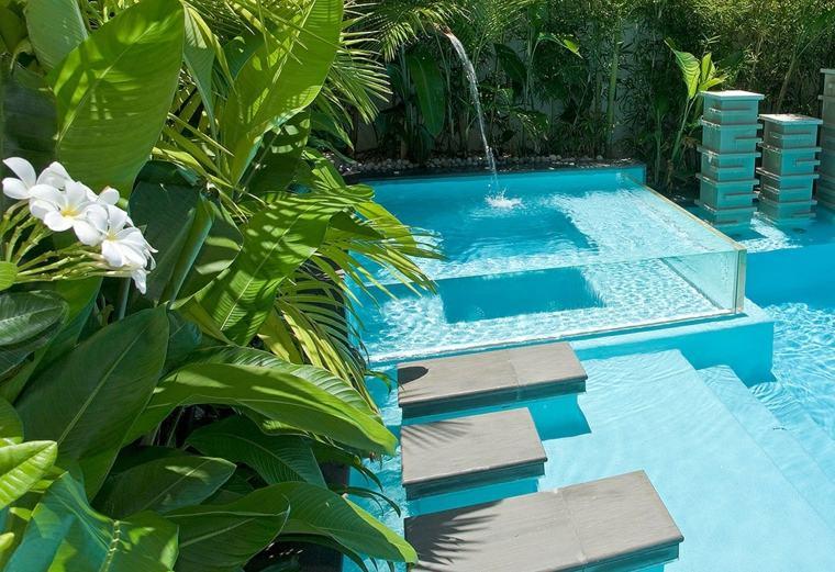 Piscinas transparentes lo ltimo en dise o for Plantas para poner cerca de la piscina