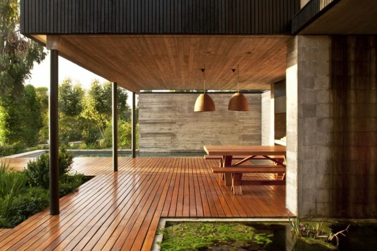 Porches de madera y cubiertas para jardines 12 dise os for Disenos de porches para casas