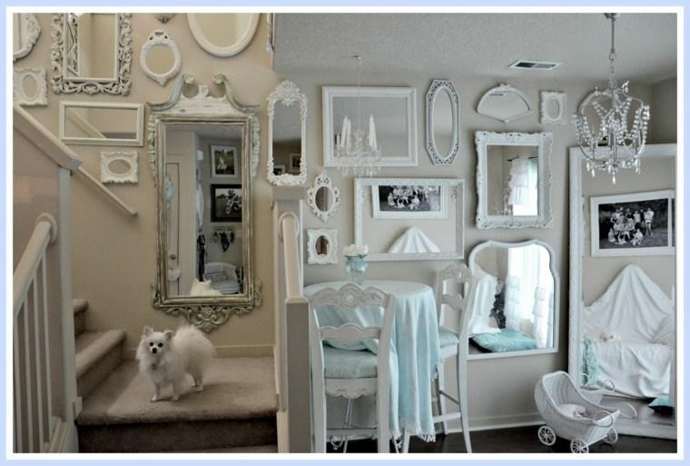 sala estar blanca espejos