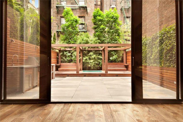suelo madera arboles macetas azotea casa ideas