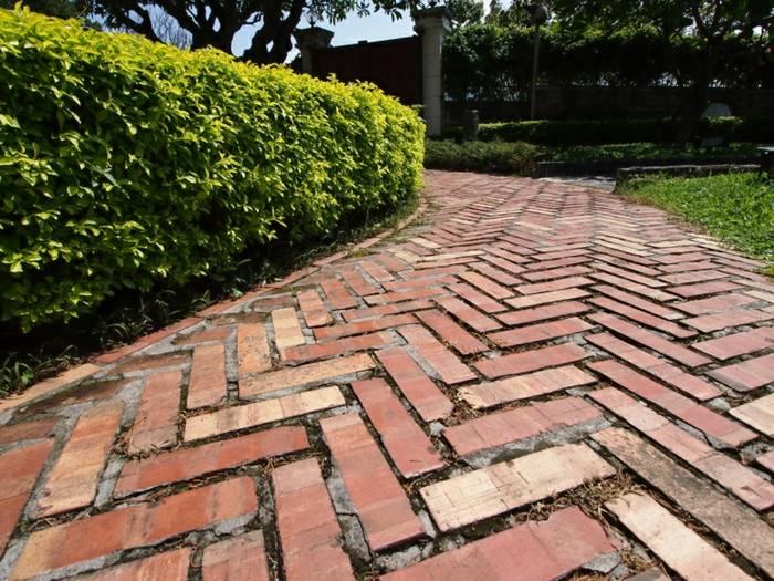 Suelos y senderos para exteriores 42 ideas impactantes - Suelos de madera para jardin ...