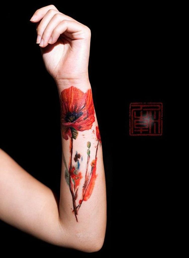 tatuaje brazo amapola roja