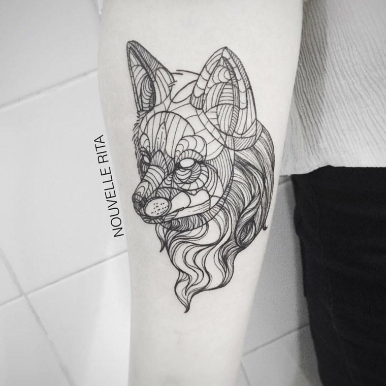tatuaje forma zorro negrita