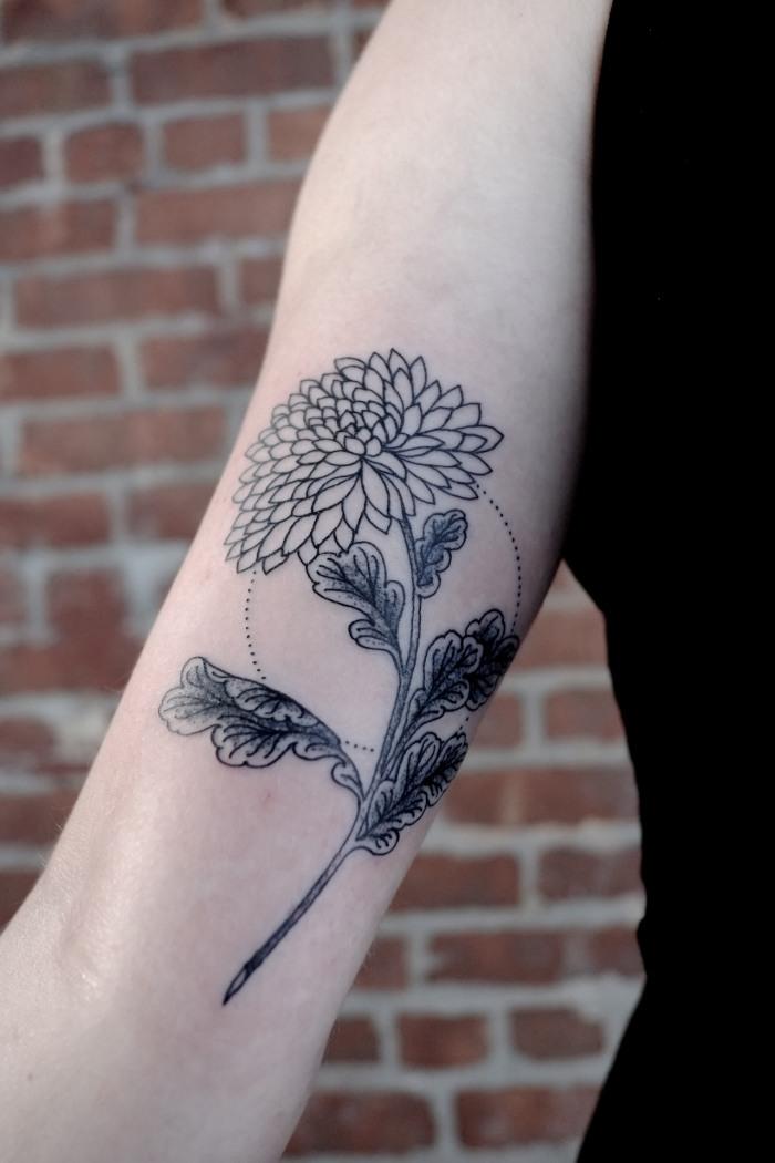 tatuajes brazo opciones diseno flor ideas
