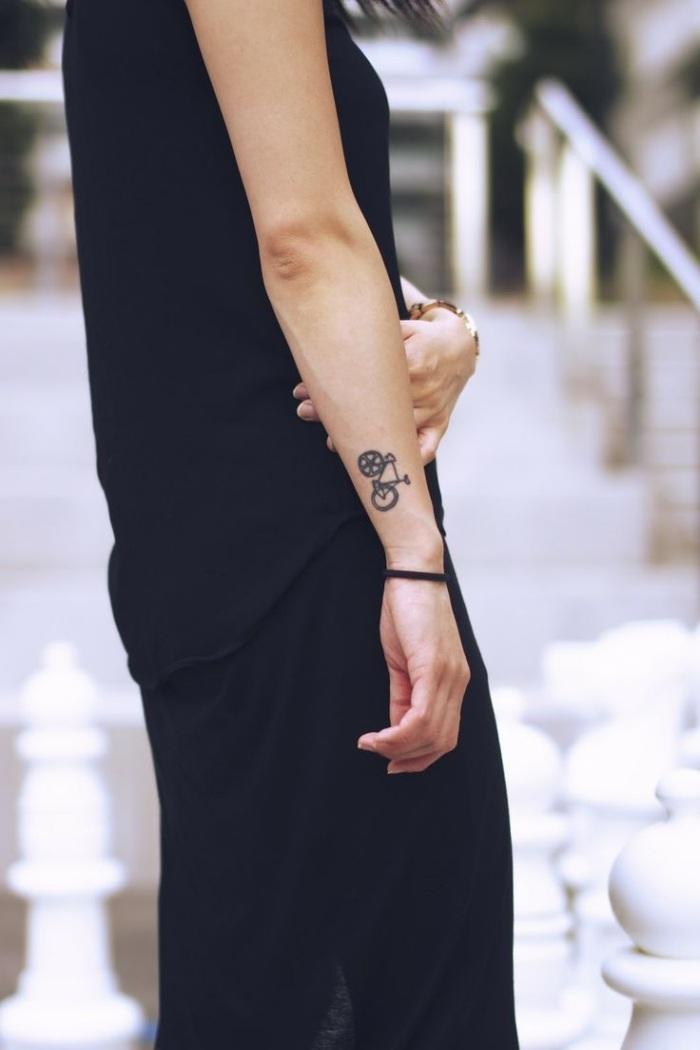 tatuajes en el brazo opciones diseno bicicleta ideas