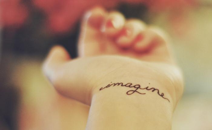 tatuajes femeninos elegantes letras palabras