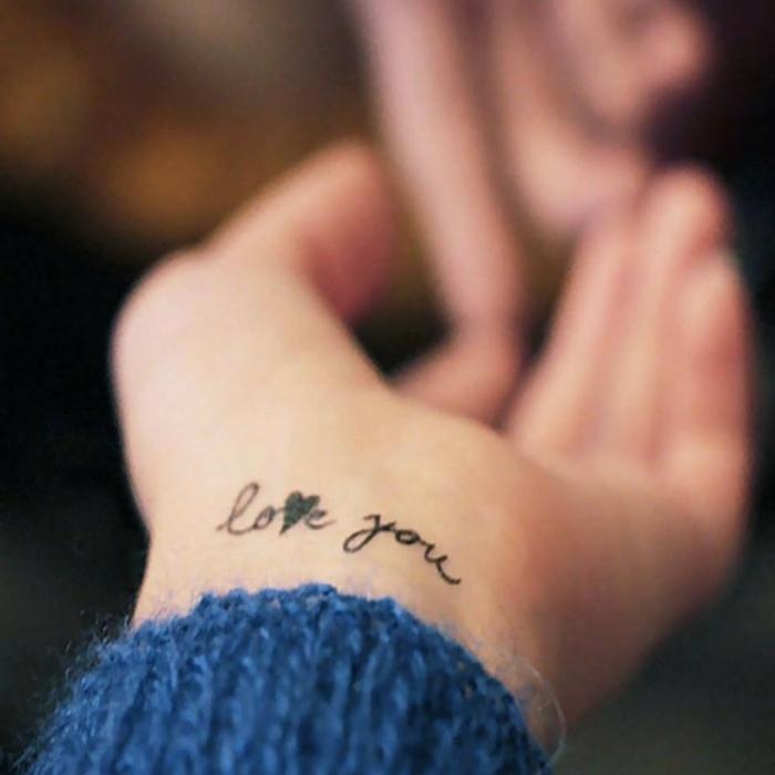 tatuajes femeninos munecas estantes interna