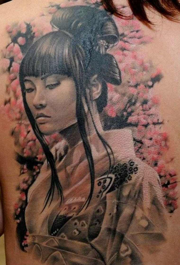 tatuaje bonito geisha