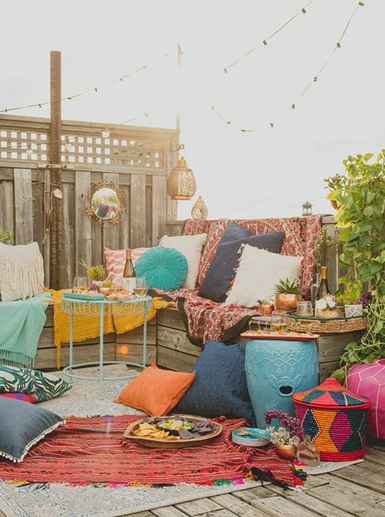 terraza estilo chill cojines