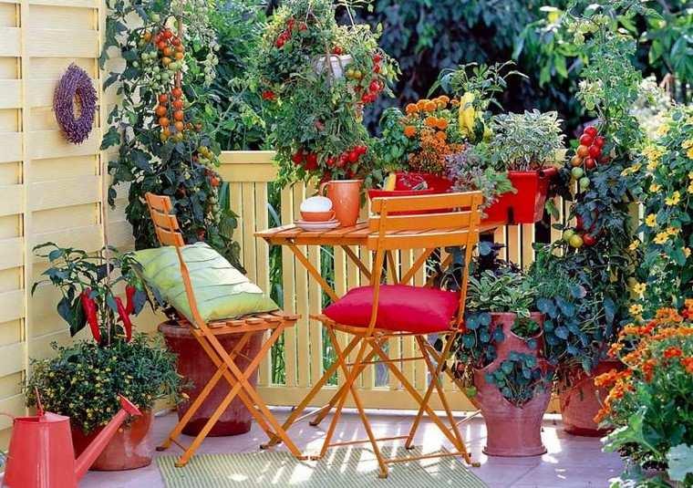 terraza moderna flores verduras muebles color naranja ideas