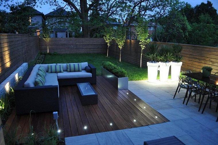 terraza moderna macetas grandes iluminan espacio ideas
