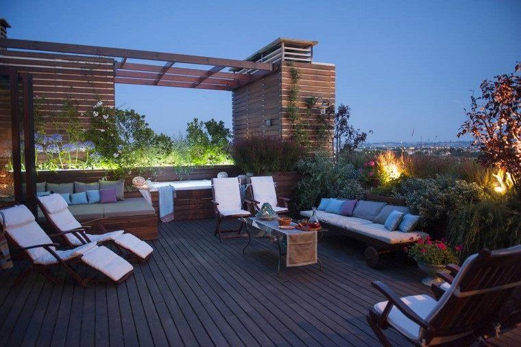 terraza moderna plantas tumbonas madera ideas