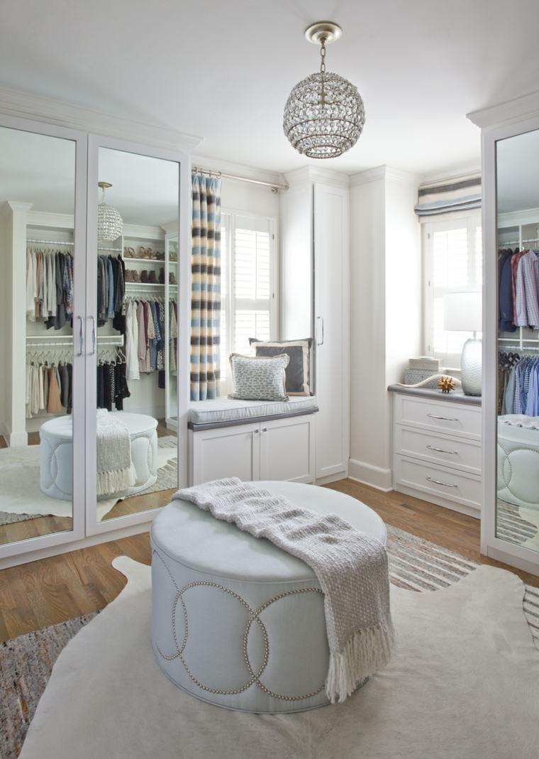 Armarios roperos y vestidores en el tico for Disenos de roperos para dormitorios pequenos