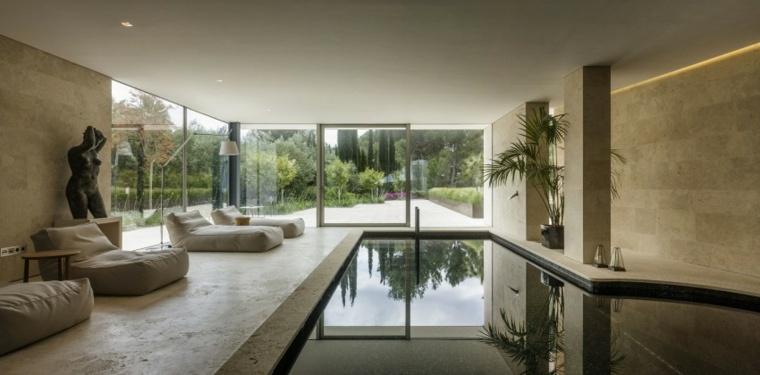 Construcci n de piscinas dentro de la casa en 36 dise os - Casas con piscina interior ...