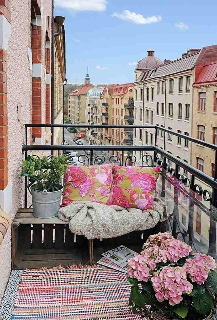 balcones modernos diseno muebles detalles alfombra cojines ideas