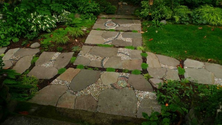bonito suelo jardin camino