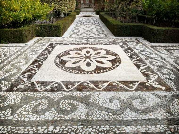 bonito diseño suelo jardín mosaico
