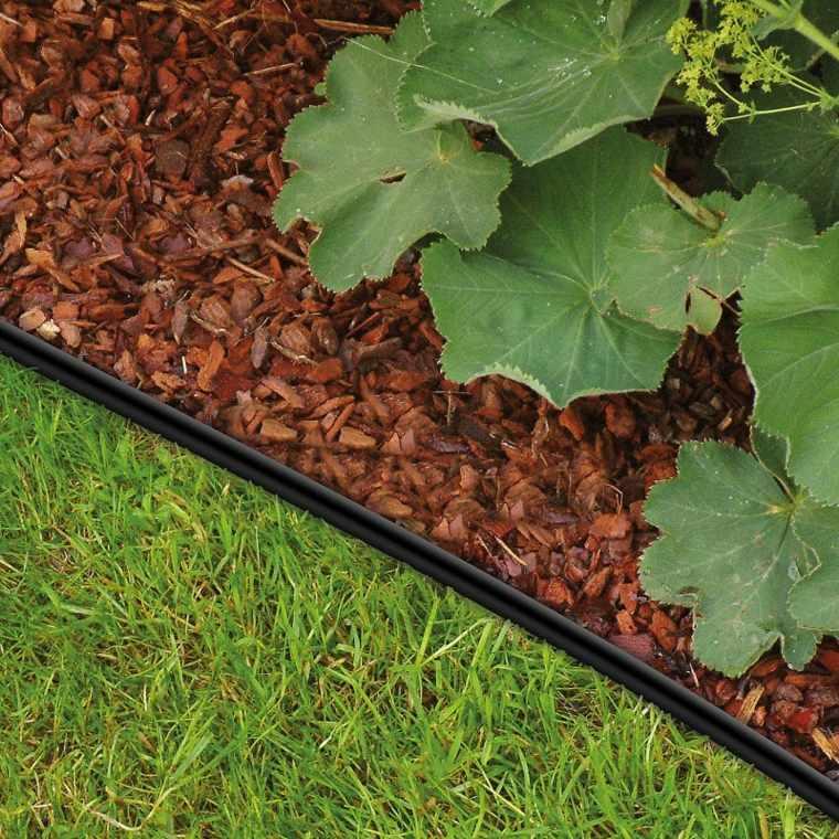 Bordes y separadores para parcelas de jardines 24 ideas for Banco de plastico para jardin