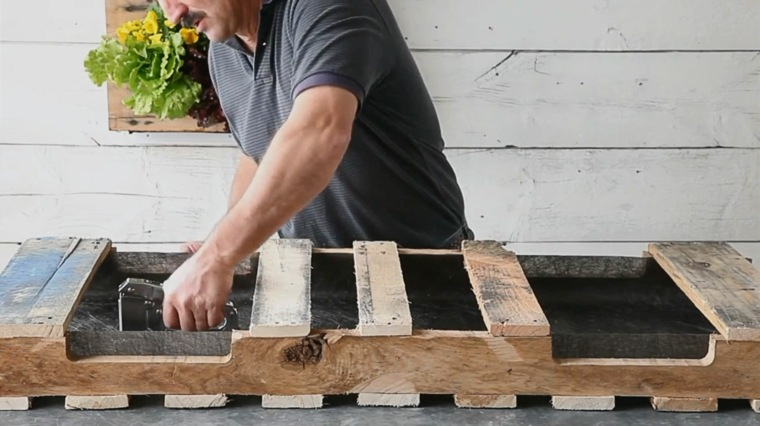 Jardinera diy de palet 12 sencillos pasos para construirla - Jardineras con palets de madera ...
