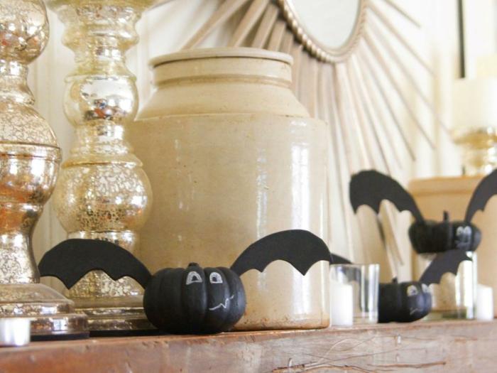calabazas decoradas especialmente murcielagos plateados