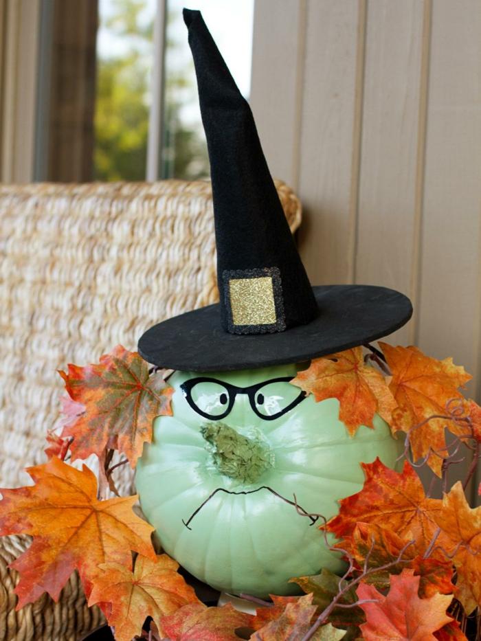 calabazas decoradas sombrero brujas hojas