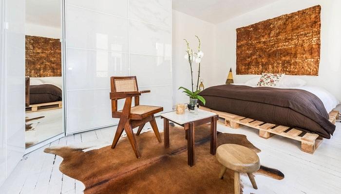 camas especiales muebles salones jarrones