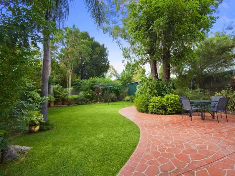 diseño cesped jardin muy verde