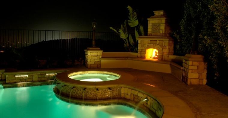 chimeneas de jardín piscina luces