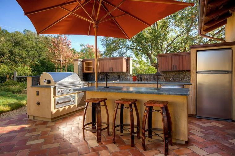 cocina exterior sombrilla color naranja