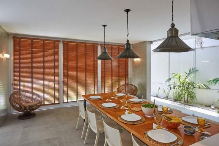 comedor interior simetría residencia