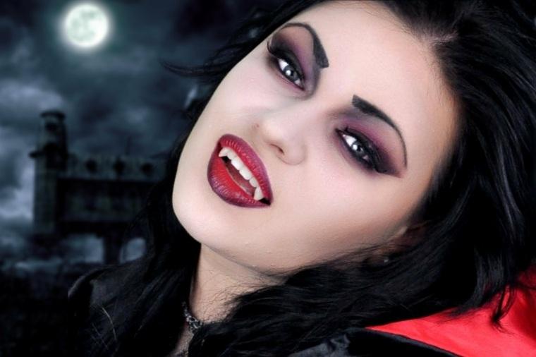 cómo maquillarse en halloween vampiresa