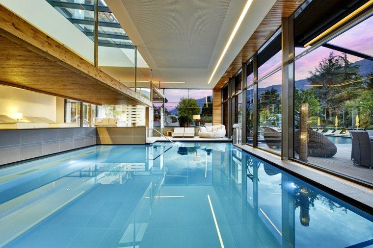 construccion de piscinas dentro casa disenos espacios amplios ideas