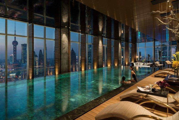 construccion piscinas dentro casa disenos ventanales ideas