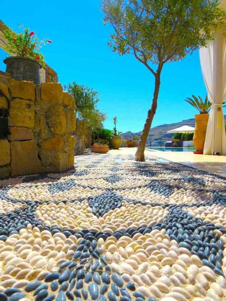 decoración suelo jardin mosaico